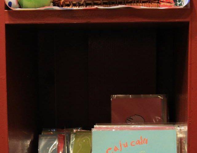 永田珈琲倶楽部POEM店でtorinotorioのグッズをお鳥扱いいただいています